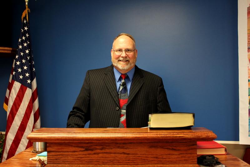 Pastor Mike Thomas